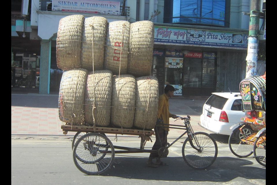 Hauling baskets in Chittagong